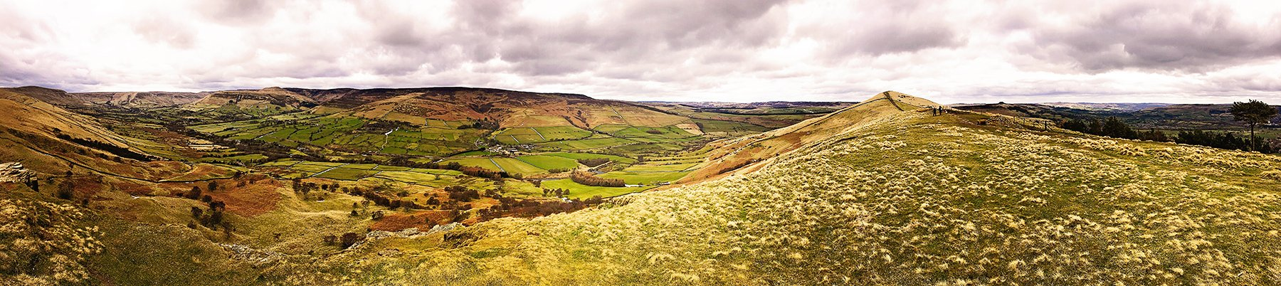 Spectacular views from Lose Hill in the Peak District.