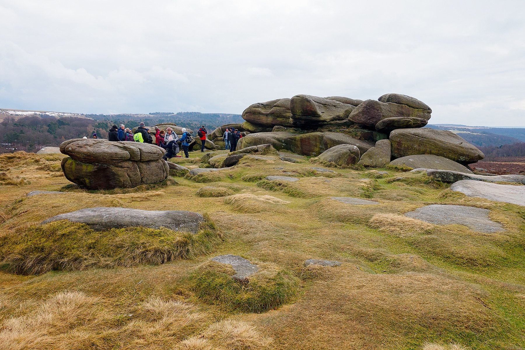LONGSHAW TO UPPER OWLER TOR