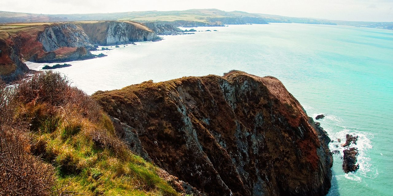 A SPECTACULAR WALK AROUND DINAS ISLAND, PEMBROKESHIRE