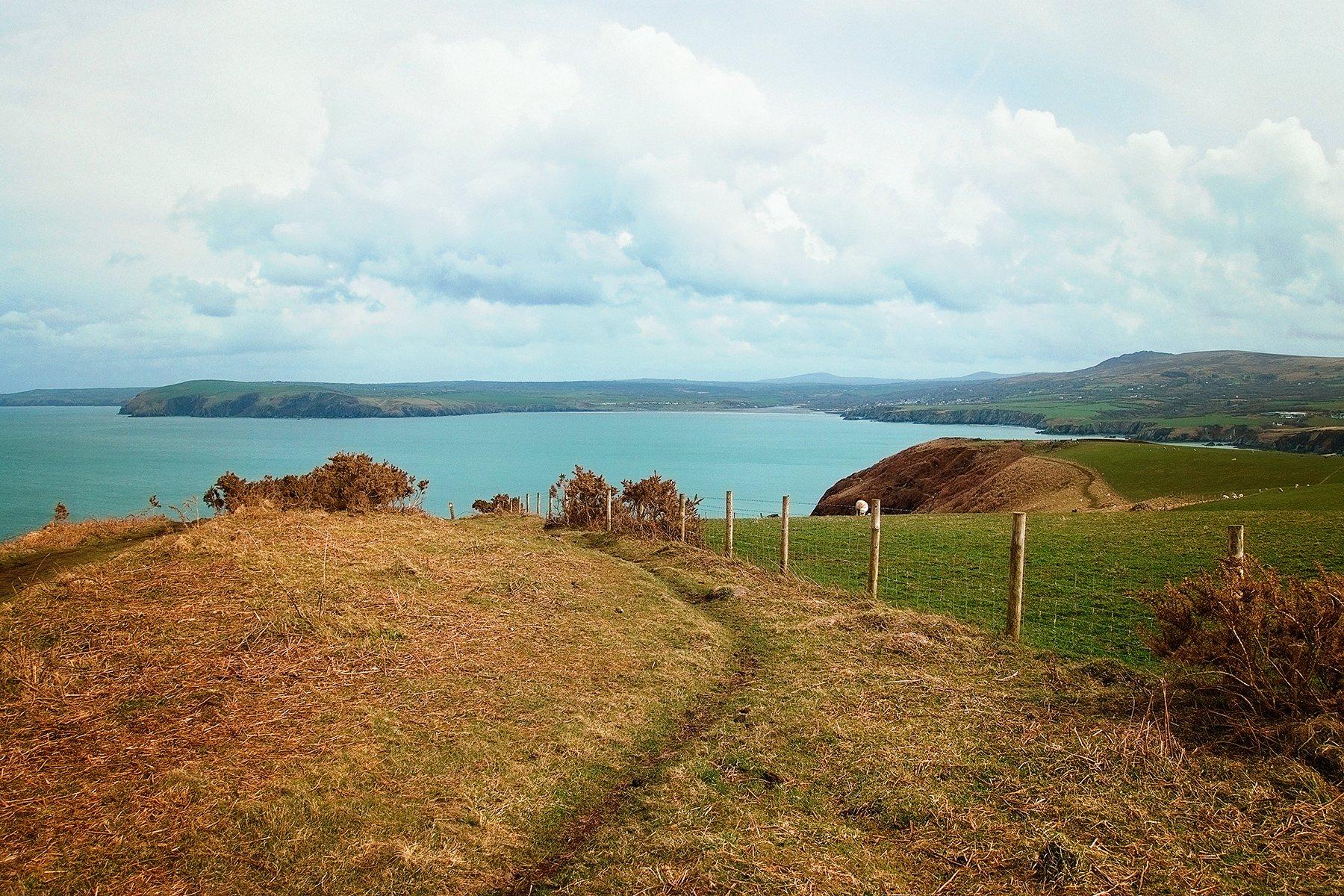 Coastal path on Dinas Island