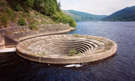LADYBOWER RESERVOIR IN DERBYSHIRE – SIMPLY STUNNING