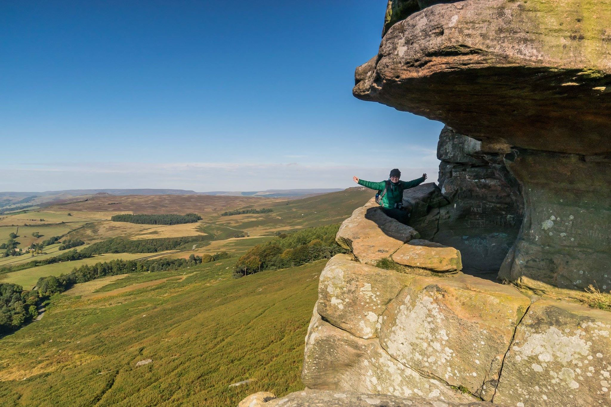 Robins Hood's Cave in Stanage Edge in the Peak District