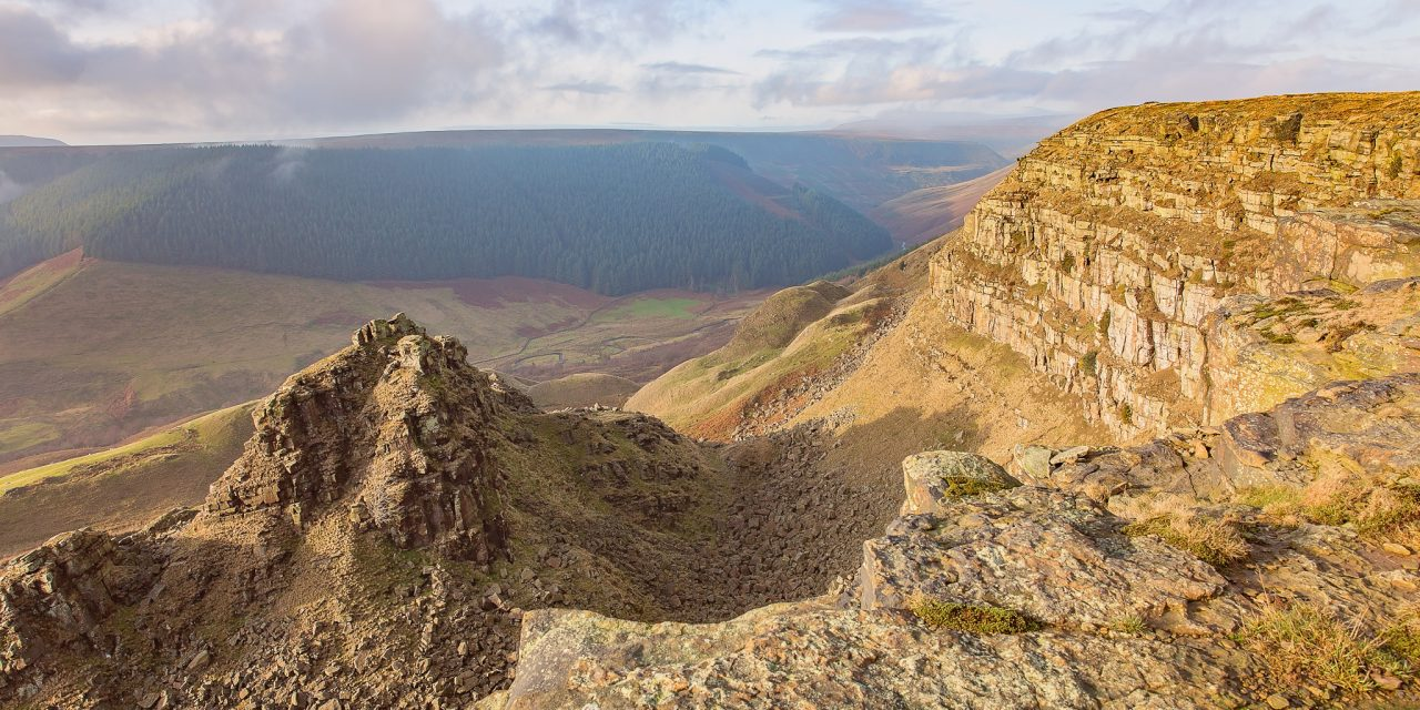 ALPORT CASTLES AND CROOK HILL, DERBYSHIRE